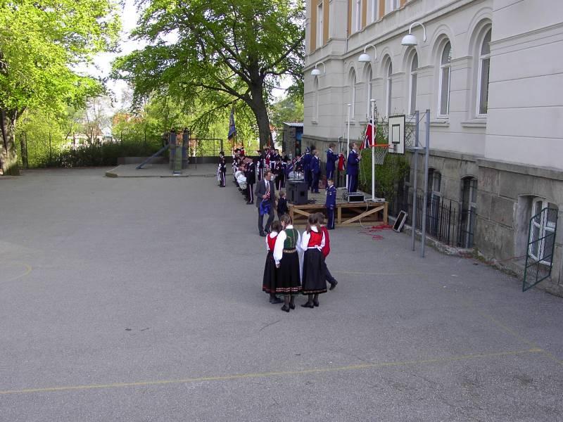 Mathismarkens Bataljon stiller opp på Krohnengen skole