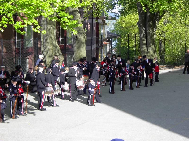 Wesselengens Bataljon er oppstilt på Krohnengen skole