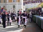 Mathismarkens Bataljon marsjerer ut fra Krohnengen skole