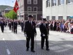 Fjeldets Bataljon marsjerer forbi Hovedbrannstasjonen