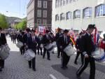 Nygaards Bataljon marsjerer forbi Hovedbrannstasjonen